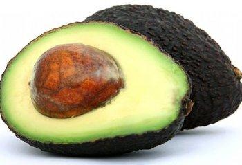 Mangiare avocado per prevenire le malattie cardiovascolari