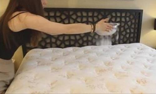 Come pulire il materasso con il bicarbonato di sodio