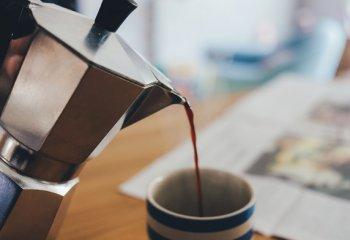 Chi beve caffè soffre meno di malattie cardiache, diabete e disturbi epatici
