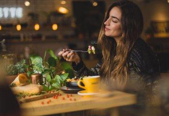 Come il cibo può migliorare il tuo umore
