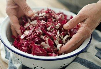 10 ottime ragioni per portare in tavola il radicchio rosso