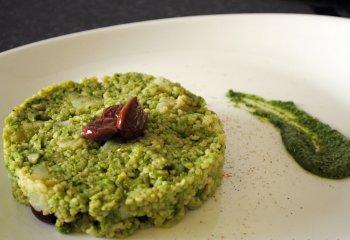 Riso con crema di broccoli in salsa di capperi e mandorle