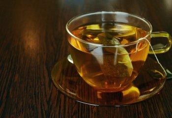 Vivere più a lungo? Basta bere tè tre volte a settimana