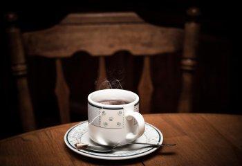Bere un tè al giorno protegge il cuore, specie negli anziani